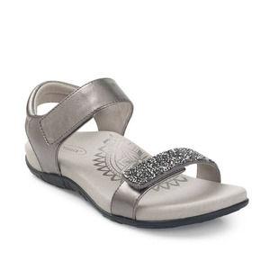 Aetrex Maria Studded Quarter Strap Shoe